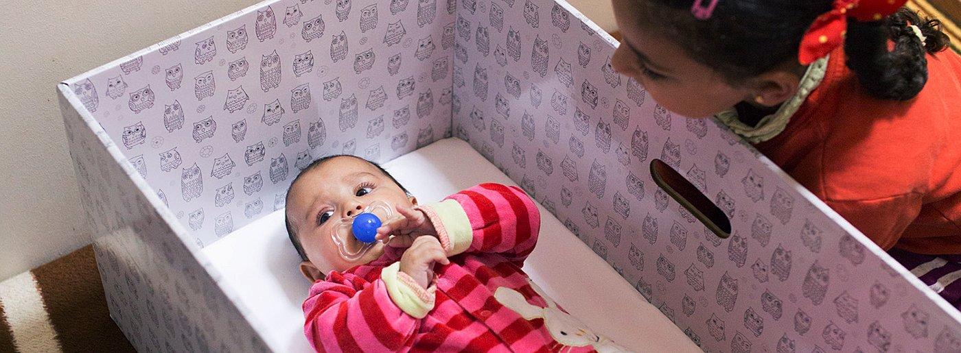 babybed_greecerefugeecamp24